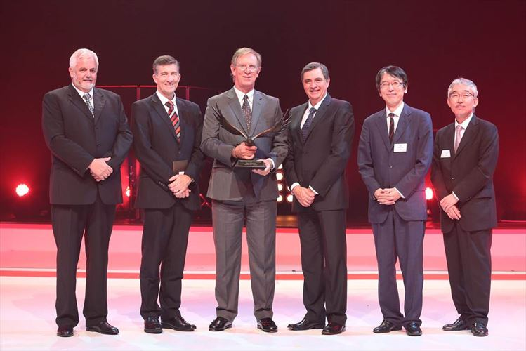 From Left - Calvyn Hamman, Senior Vice President of Sales and Marketing; Andrew Kirby, Executive Vice President and Chief Operations Officer; Hennie De Villiers - Hino Midrand; Dr Johan van Zyl, President and CEO; Yu Asano, General Manager Africa Division; and Hitoshi Muramoto, Executive Vice President and Chief Co-ordinating officer.