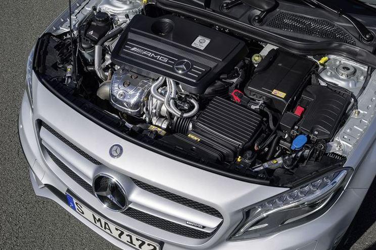 GLA 45 AMG Engine