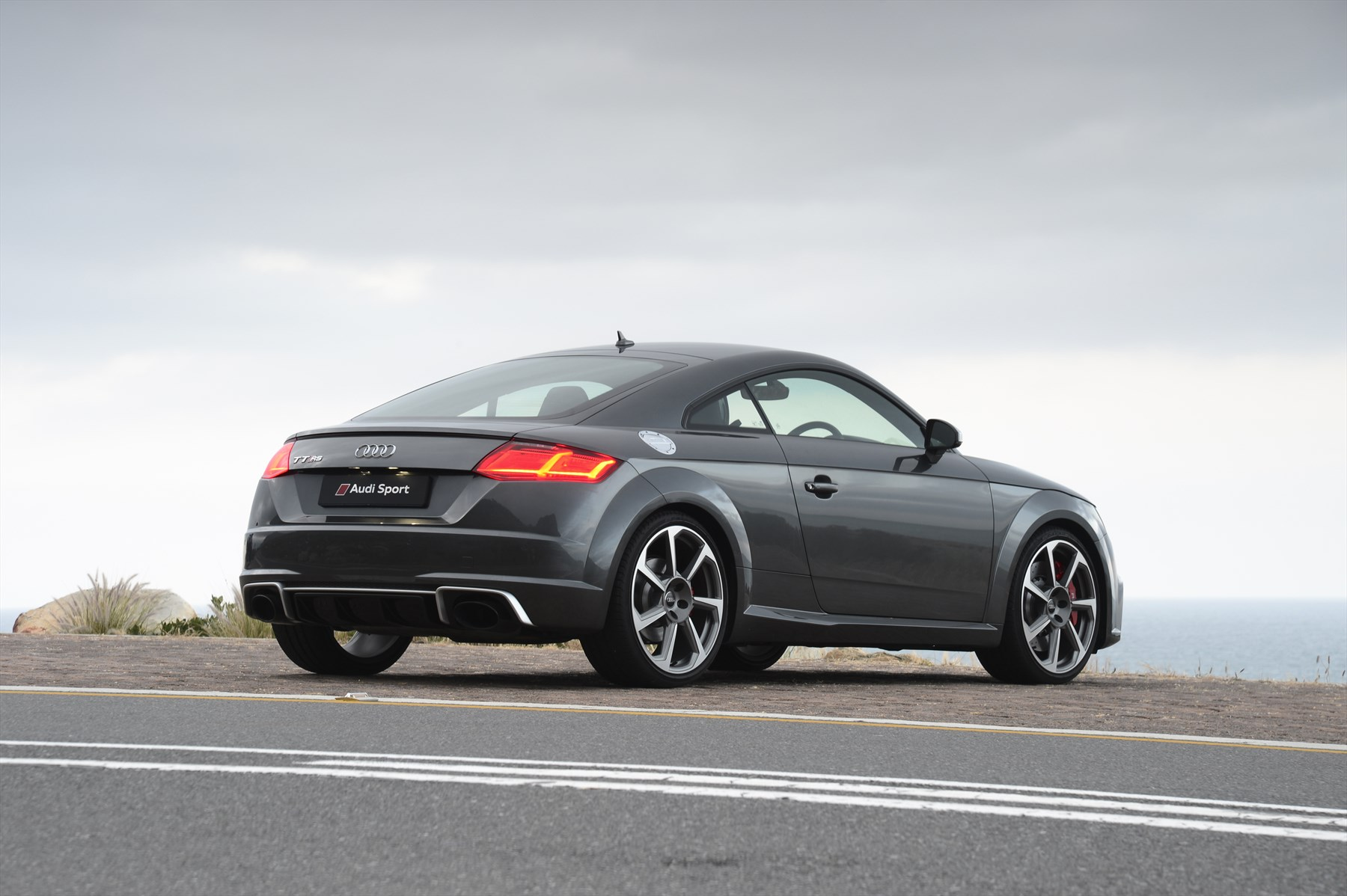 audi sport presents the new audi tt rs coup car insurance. Black Bedroom Furniture Sets. Home Design Ideas