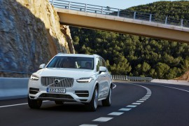 volvo-xc90-t8-twin-engine-01_880x500
