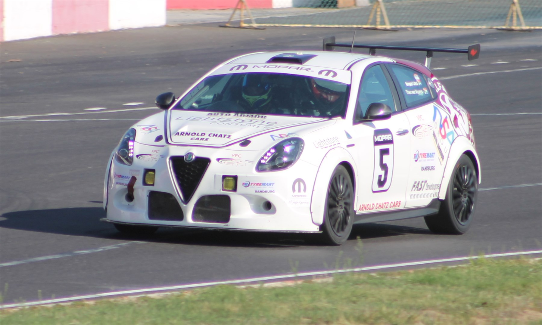 Endurance Car Insurance >> Fca Alfa Romeo Giulietta Endurance Team Gears Up To Defend